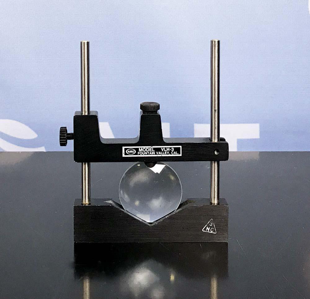 Newport V-Groove Lens Holder, 0.60 to 3.60 in. Diameter Lenses, Model VLH-3A Image