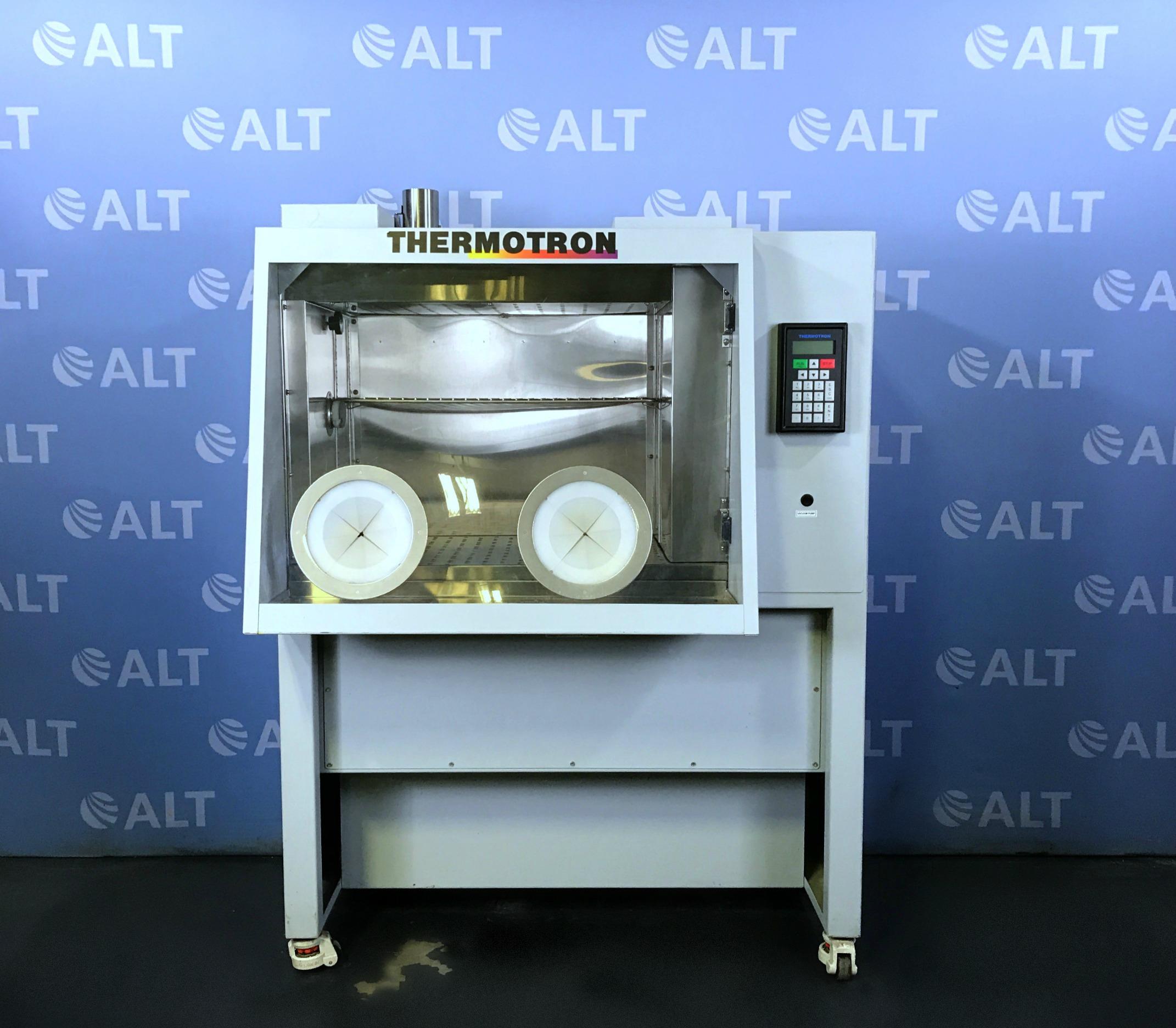 Thermotron CDS-5 - Cytogenetic Environmental Chamber Image