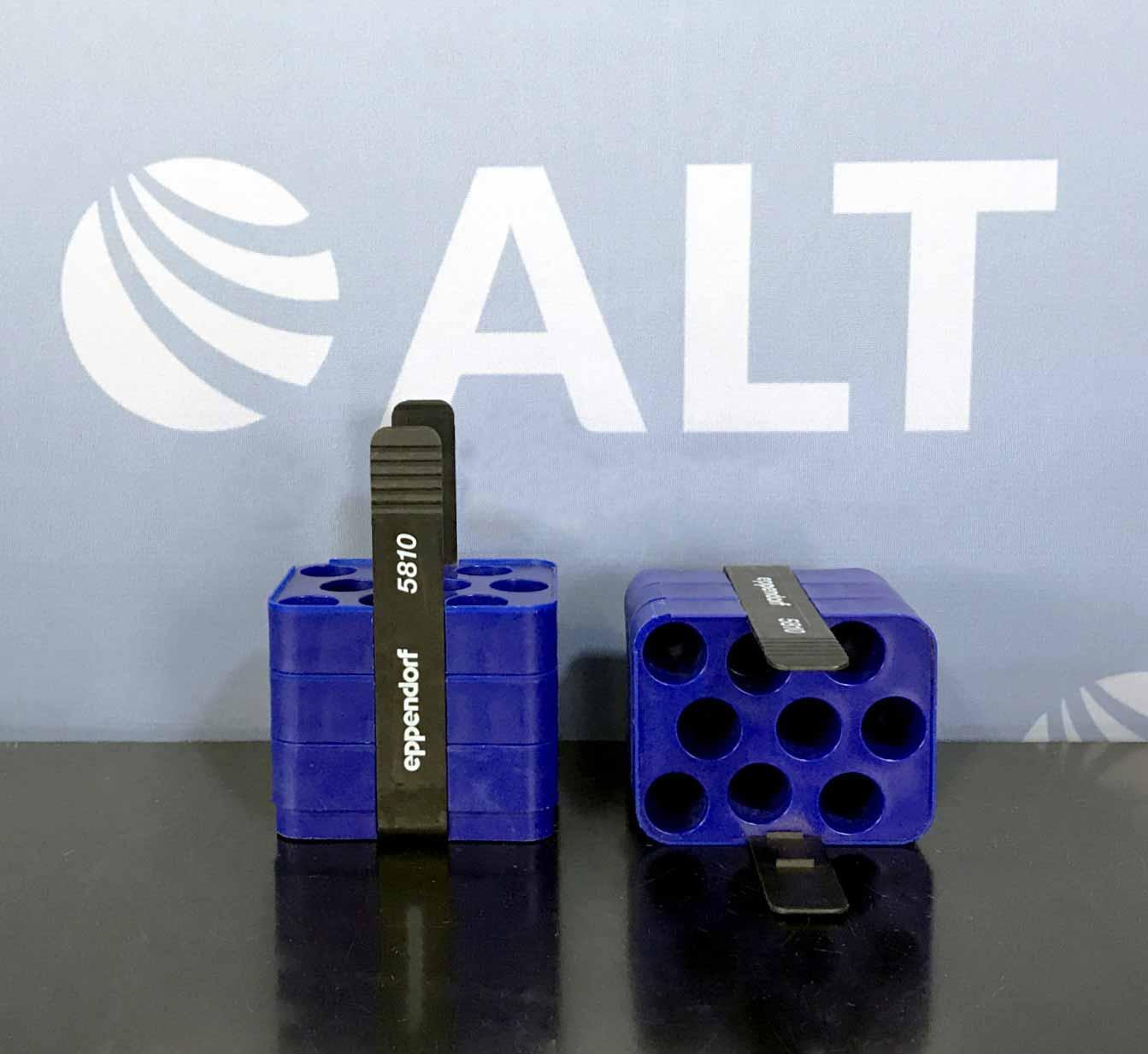 Eppendorf 5810 (9) Tube Slot Adapter for 250 mL Rectangular Bucket. 17.5mm: Conical Bottom (Set of 2) Image