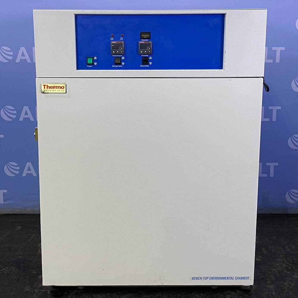 Thermo Forma E12560 Environmental Chamber Incubator Image