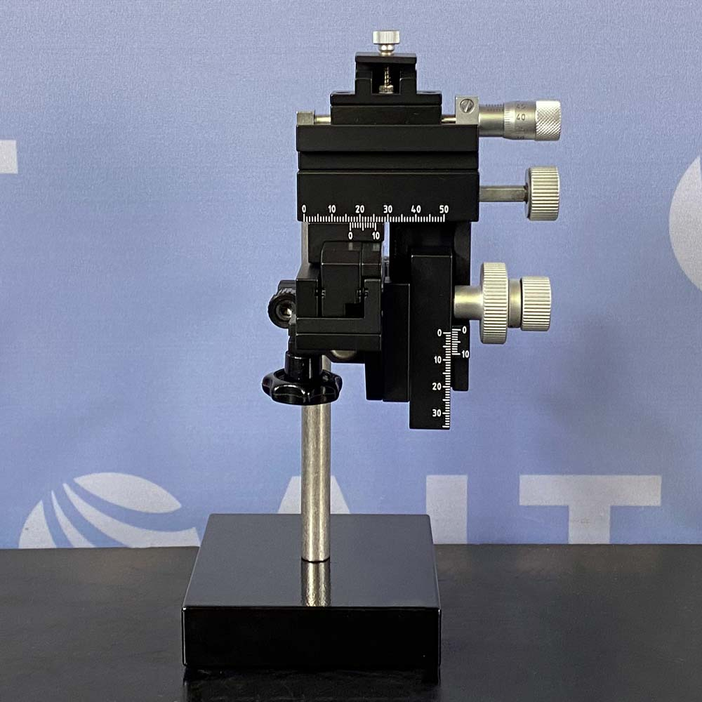 Drummond Scientific Co. Right Handed Micromanipulator, Model MM33, With Support Base Image