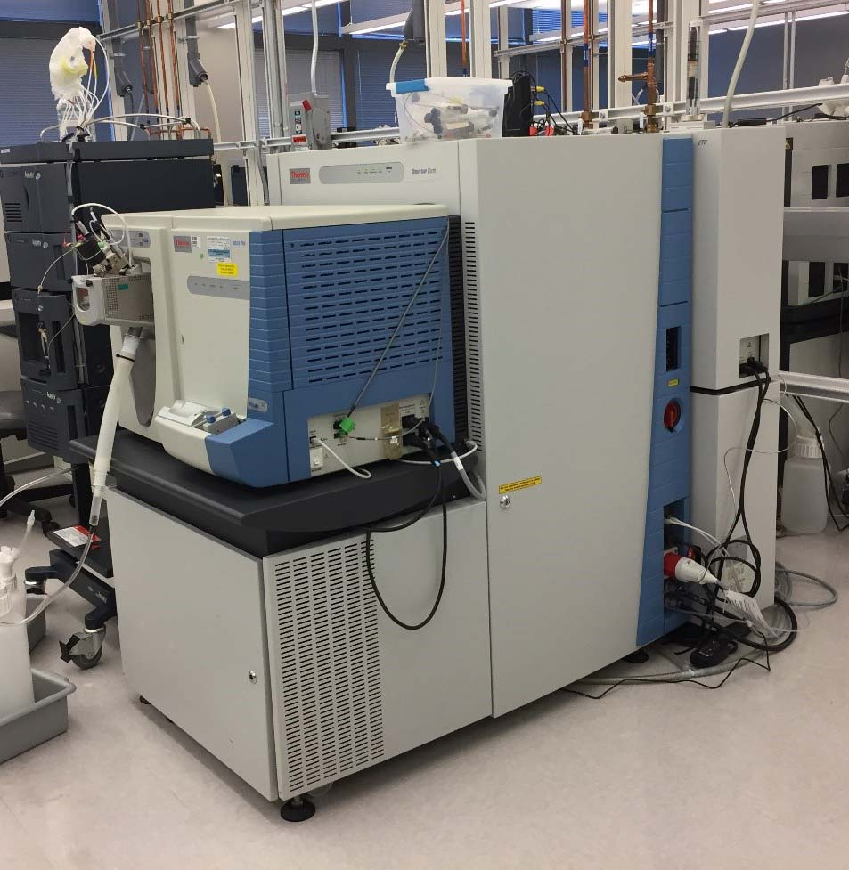 Thermo Scientific Velos Pro with Orbitrap Elite Mass Spectrometer, Neslab ThermoFlex 900 Chiller & Powervar Power Conditioner Image