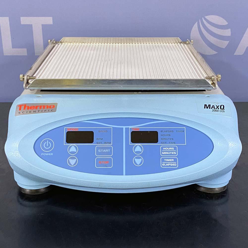 Thermo Scientific MaxQ 2000 CO2 Digital Benchtop Orbital Shaker Image