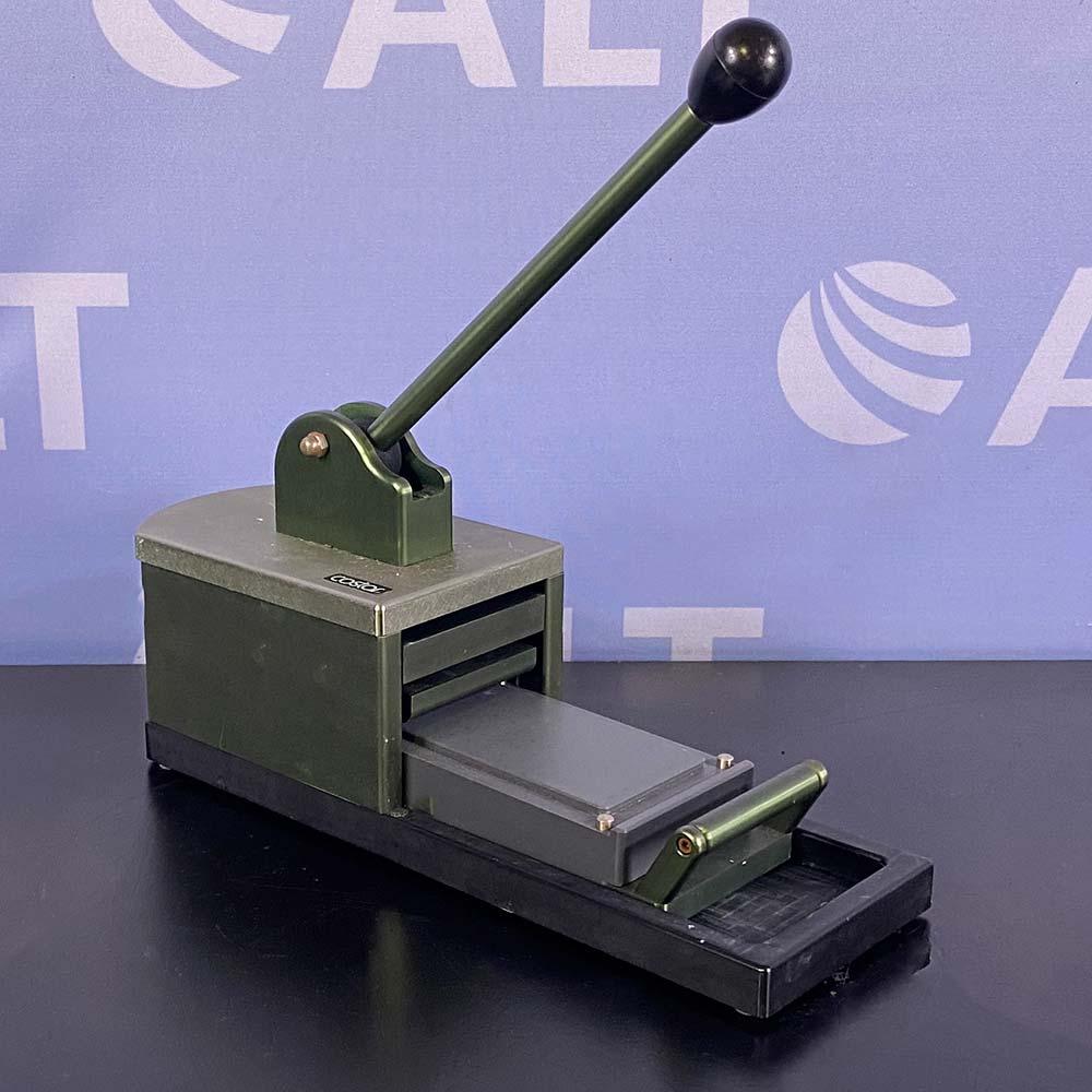 Costar Microplate Sealer Storage Mat Applicator Image