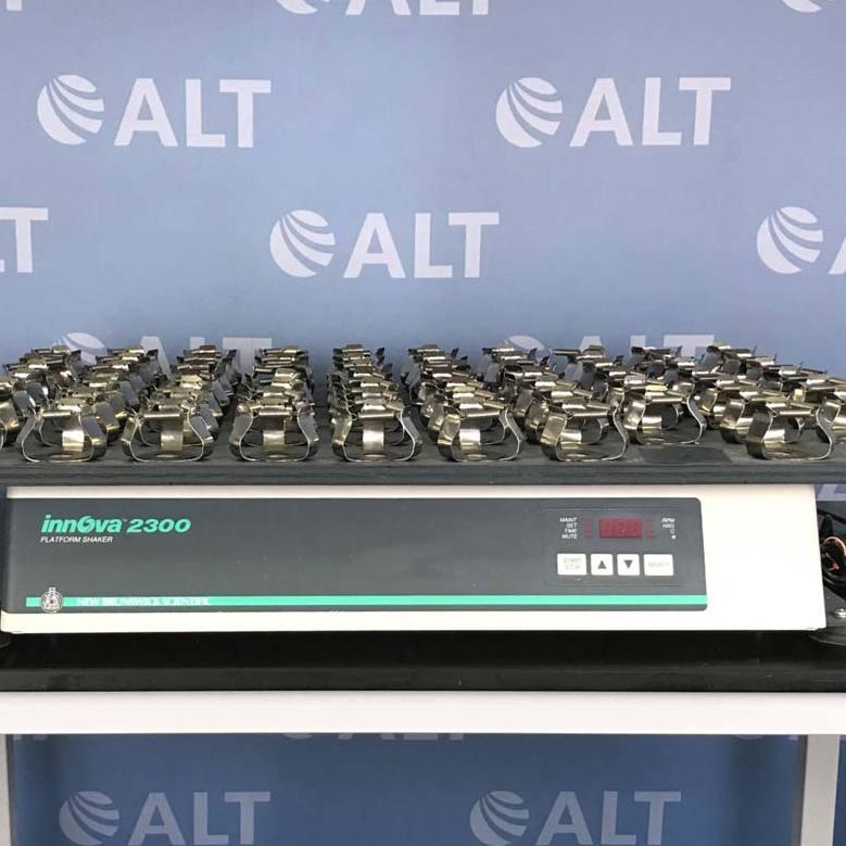 New Brunswick Scientific Co Innova 2350 Large Capacity Platform Shaker Image