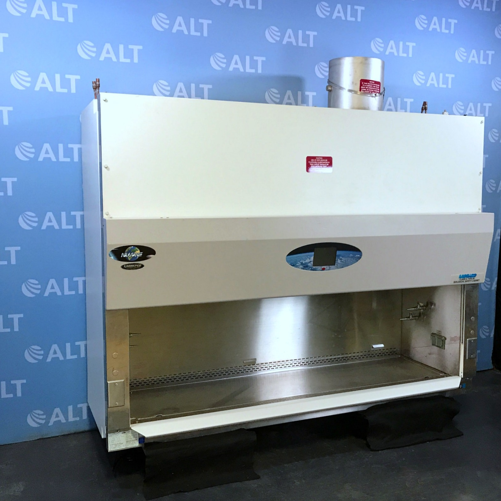 Nuaire NU-S430-600 Biological Safety Cabinet Class II Type B2 Image