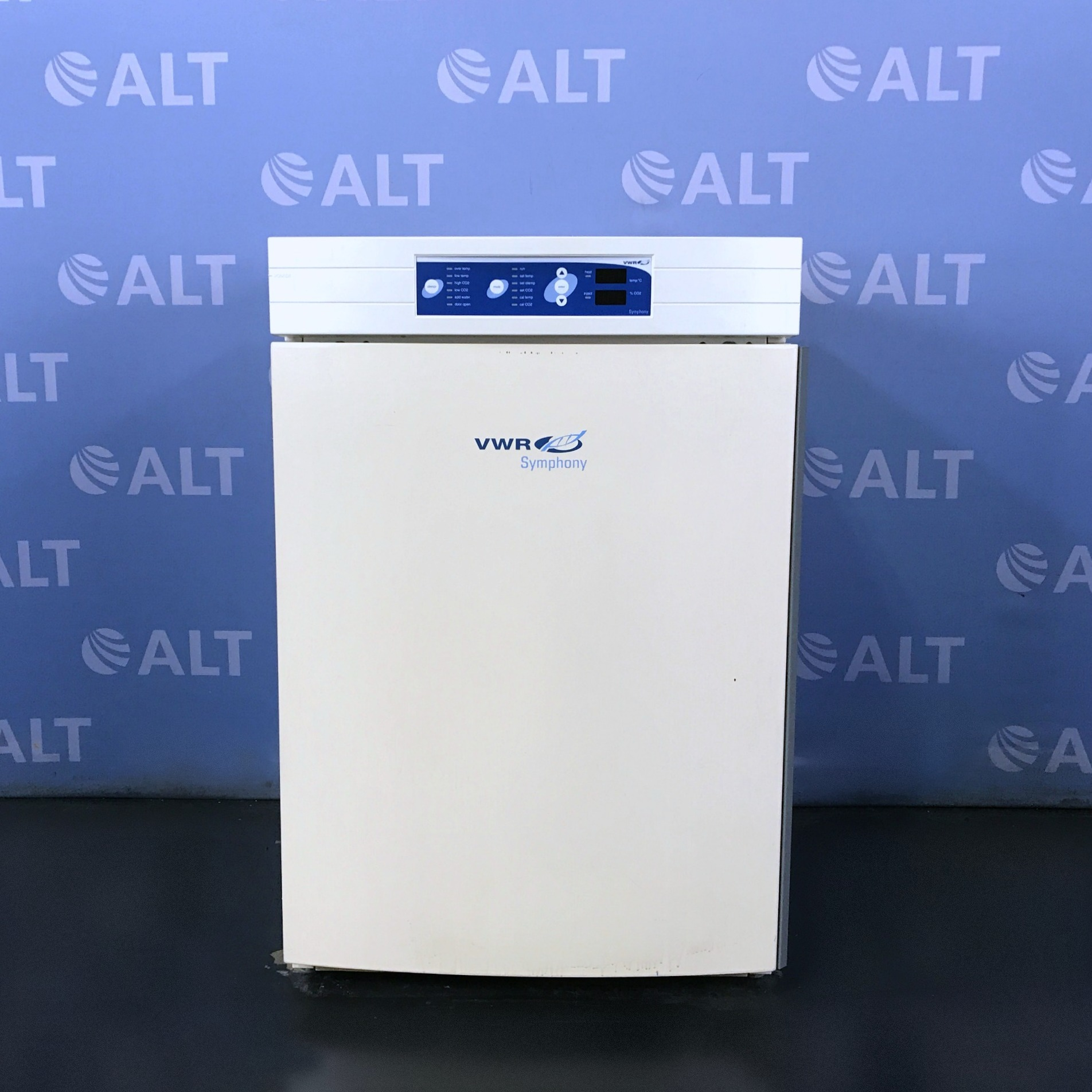 VWR Symphony 3078 Water-Jacketed CO2 Incubator, Double-Stacked Image