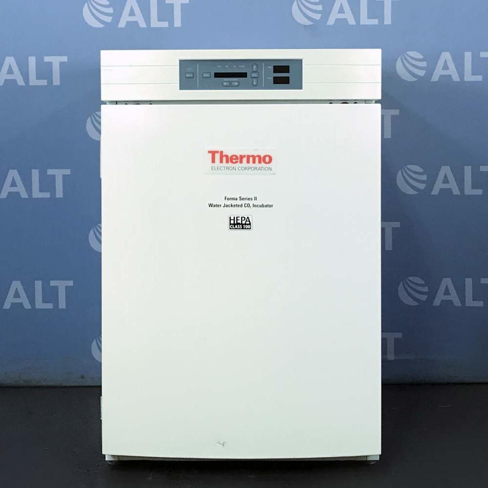 Thermo Scientific Forma Series II 3110 Water Jacketed CO2 Incubator Image