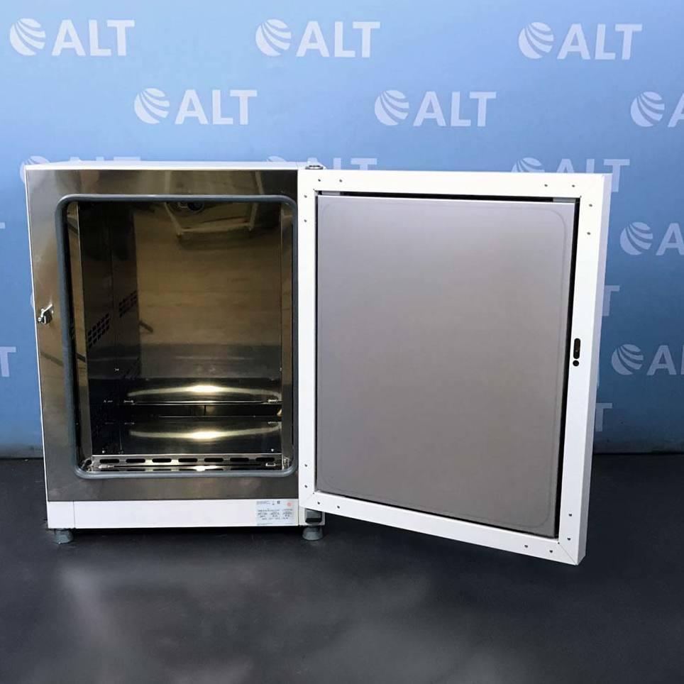 VWR Gravity Convection Oven CAT No. 89511-406 Image