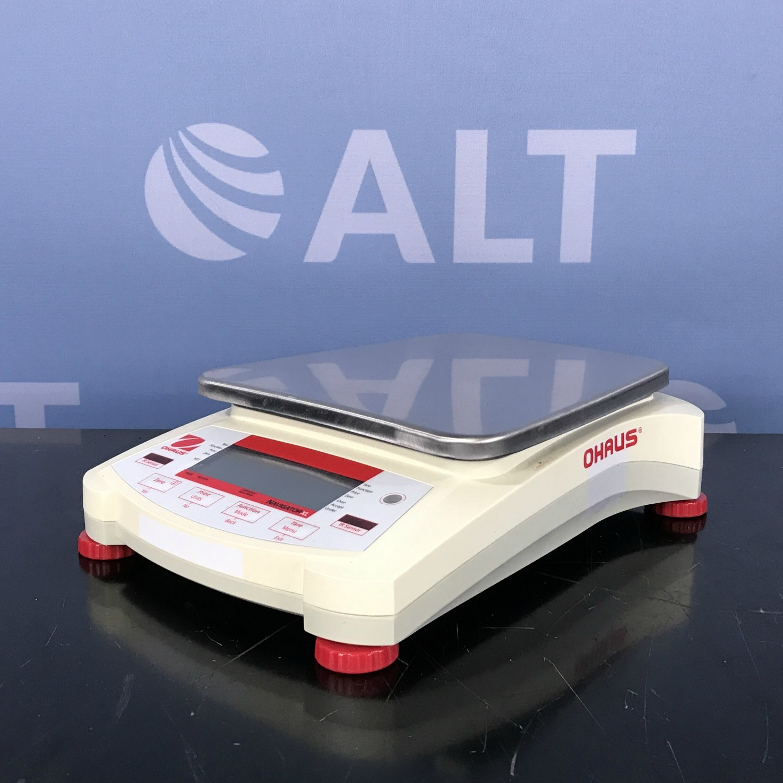 Ohaus NVL10000/1 Navigator Portable Scale Image