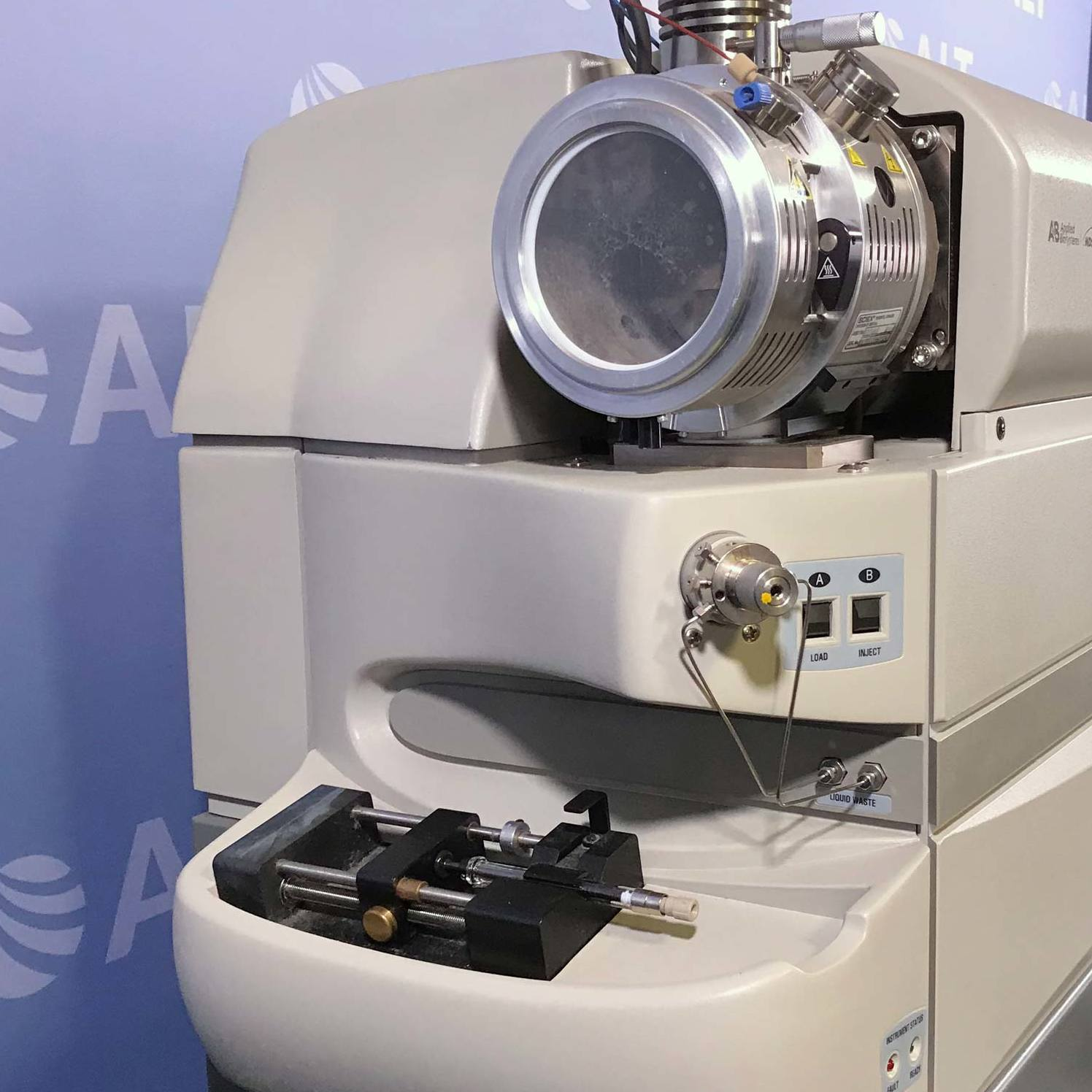 Applied Biosystems AB Sciex 3200 QTRAP LC-MS/MS System with Agilent 1290 Infinity System Image