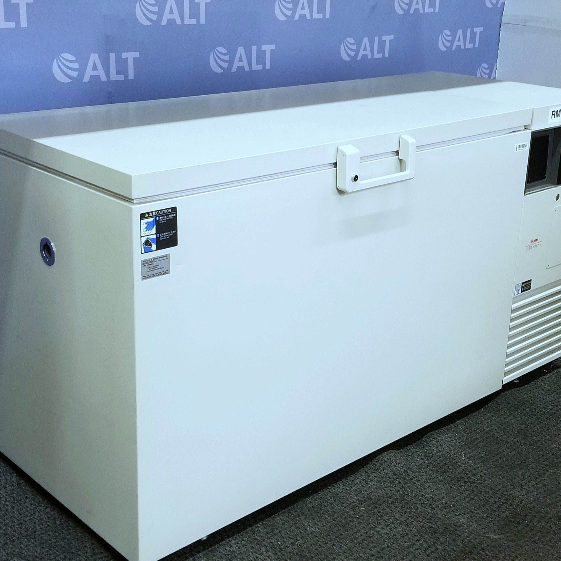 Sanyo PRO Series Conventionally Insulated  -86°C Ultra-Low Chest Freezer MDF-594C Image