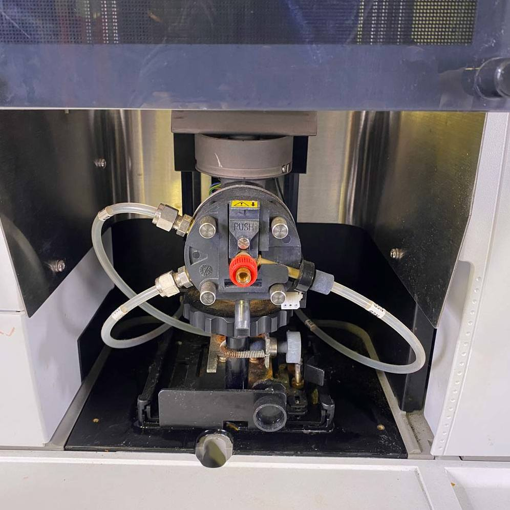 PerkinElmer AAnalyst 400 Atomic Absorption Spectrophotometer Image