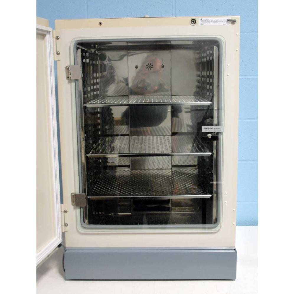 Thermo Scientific 3250 Water Jacketed Incubator Image
