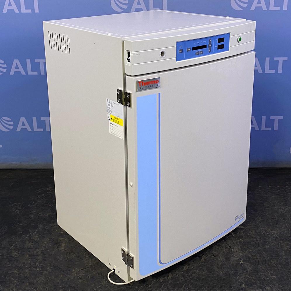 Thermo Scientific Model 370 Series Steri-Cycle CO2 Incubator Image