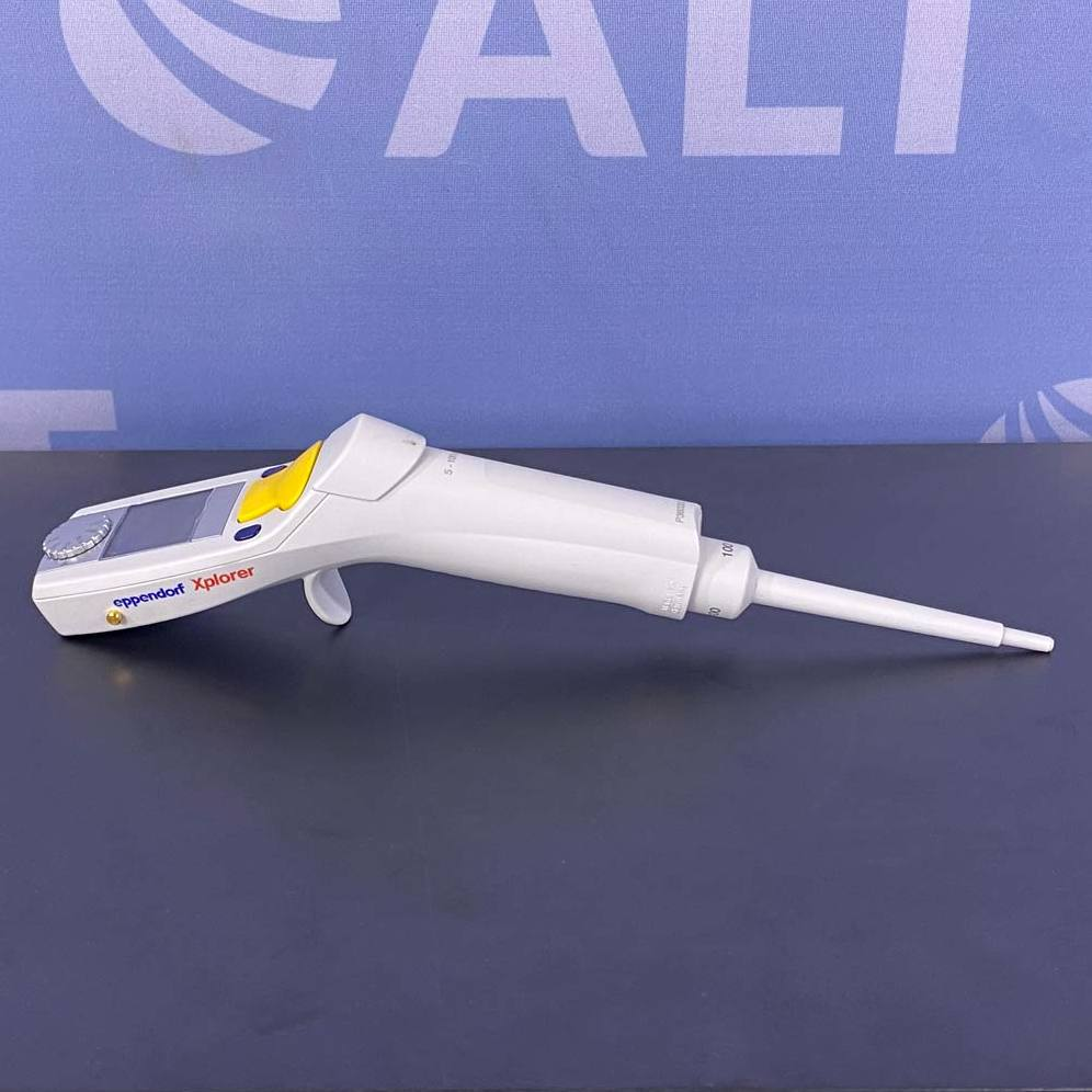 Eppendorf Xplorer Electronic Pipettor, 5-1000 uL Image