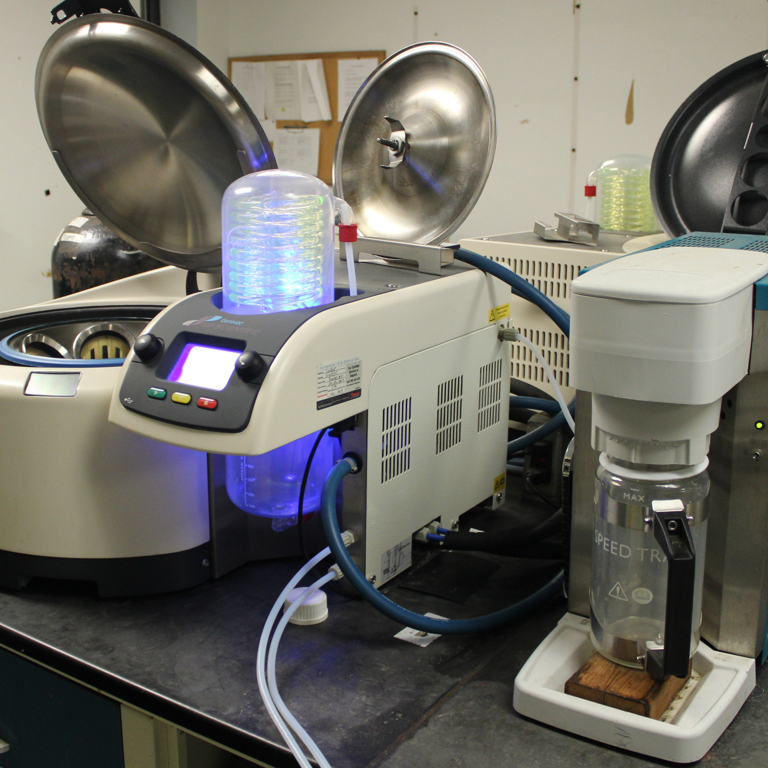 SP Scientific Rocket Synergy Evaporator with Julabo FL 601 Circulator and miVac Speed Trap Image