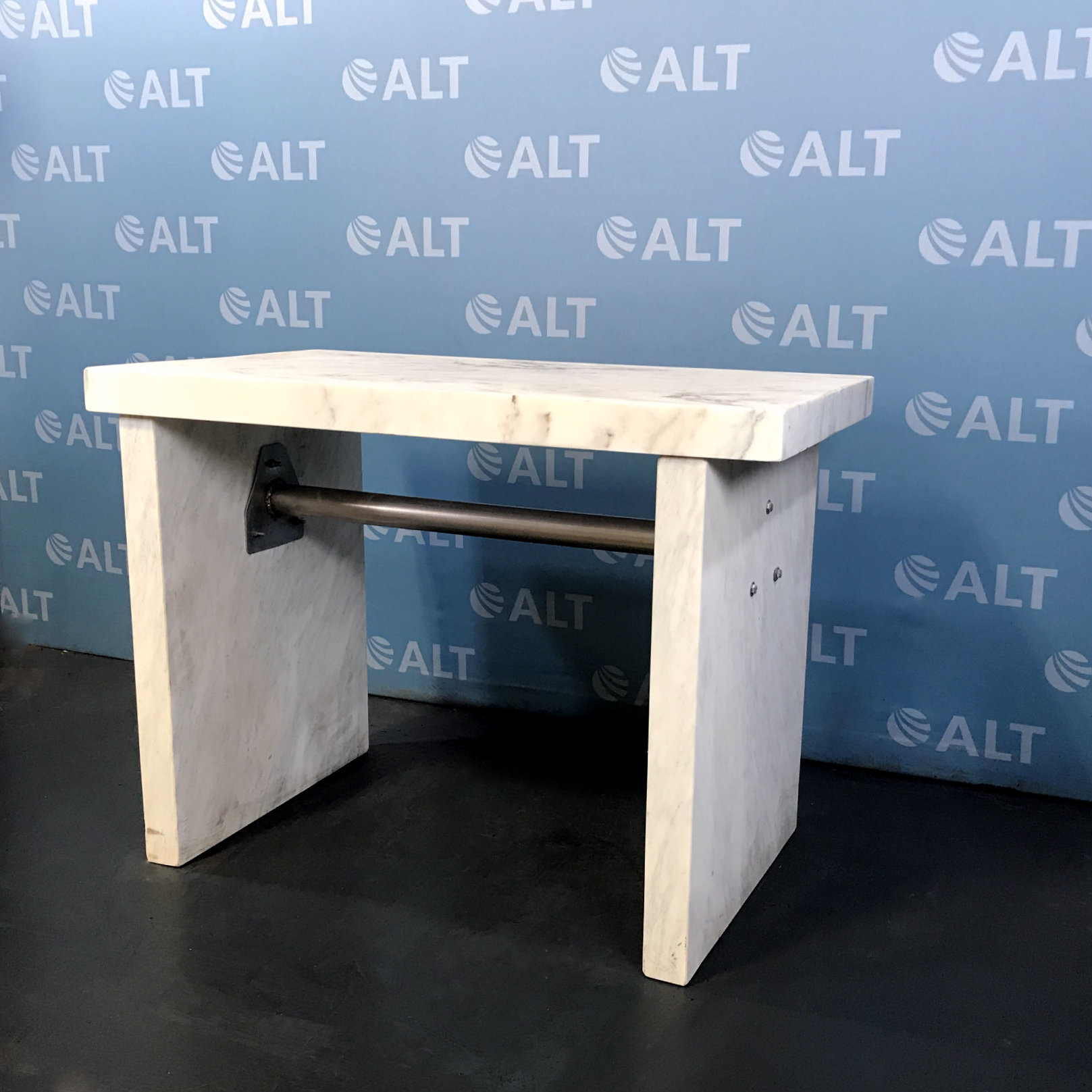 Balance Table 60x30x36 Name