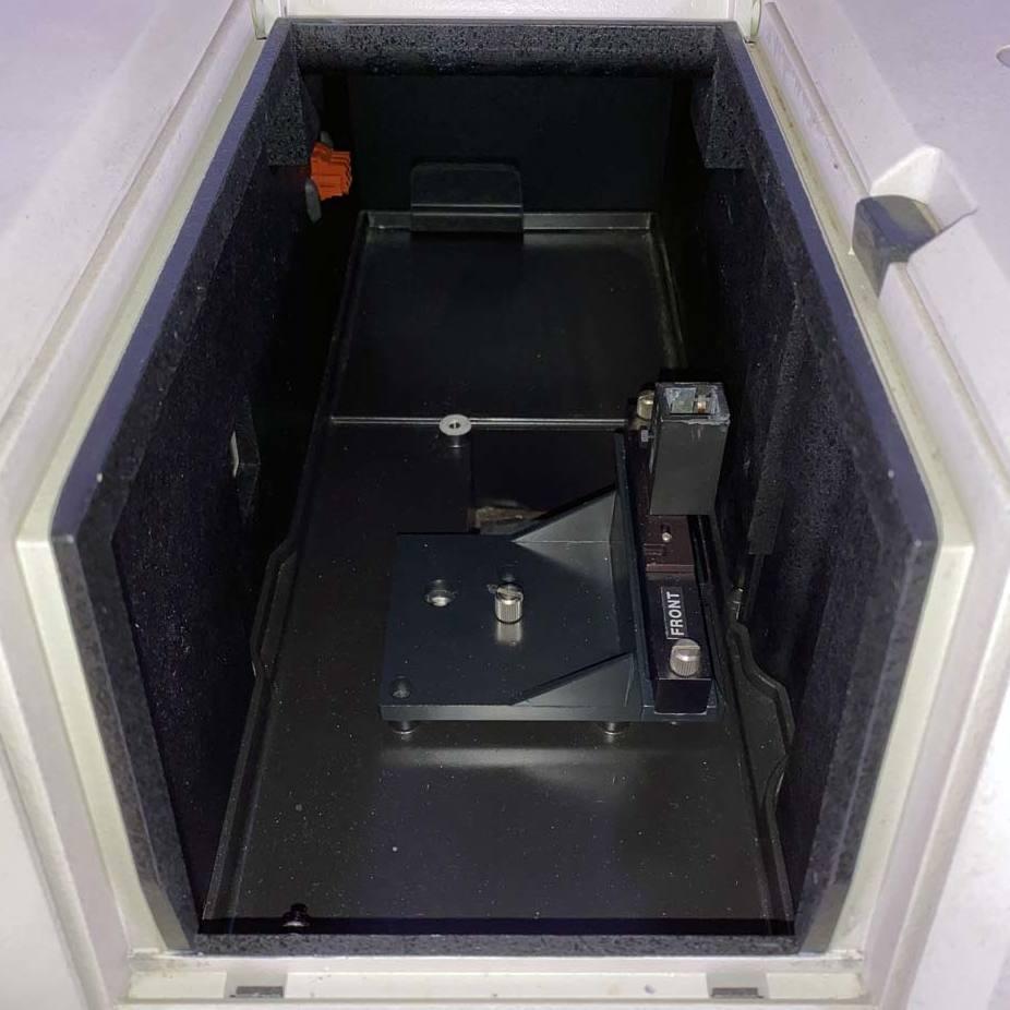 Beckman Coulter DU 640 Spectrophotometer with Single Cuvette Holder Image