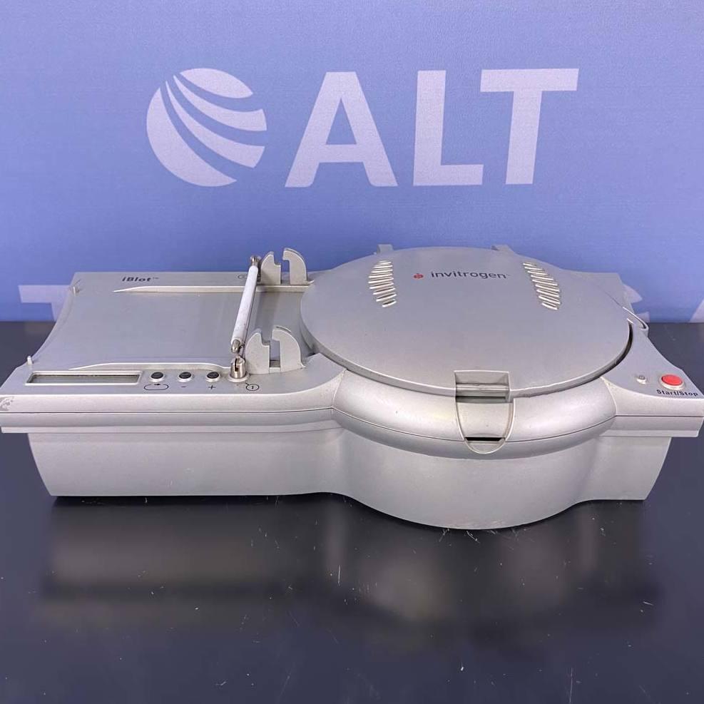 Invitrogen i-Blot Dry Blotting System Image