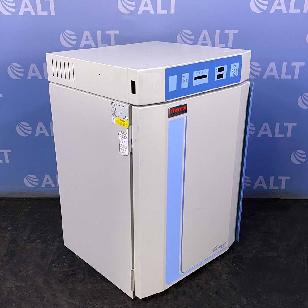 Thermo Scientific Napco 8000 Water-Jacketed CO2 Incubator Image