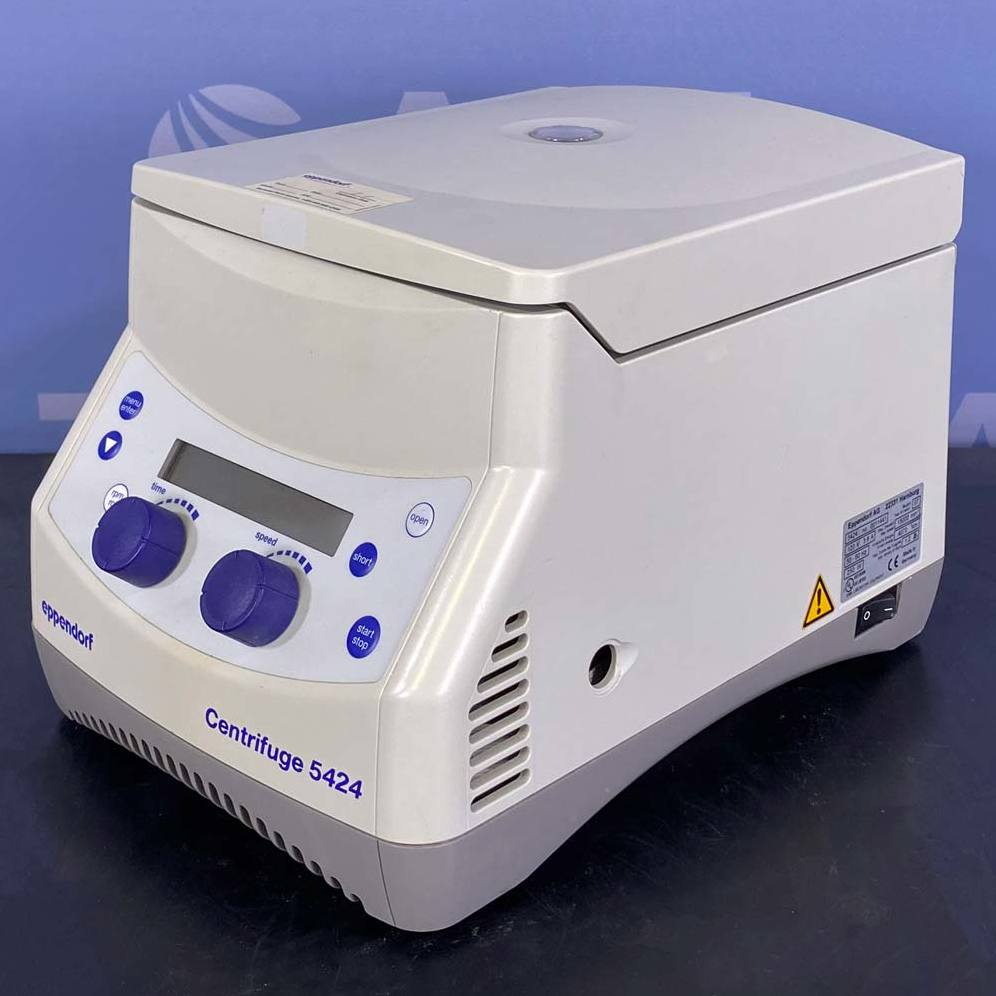 Eppendorf Microcentrifuge Model 5424 with Rotor Image