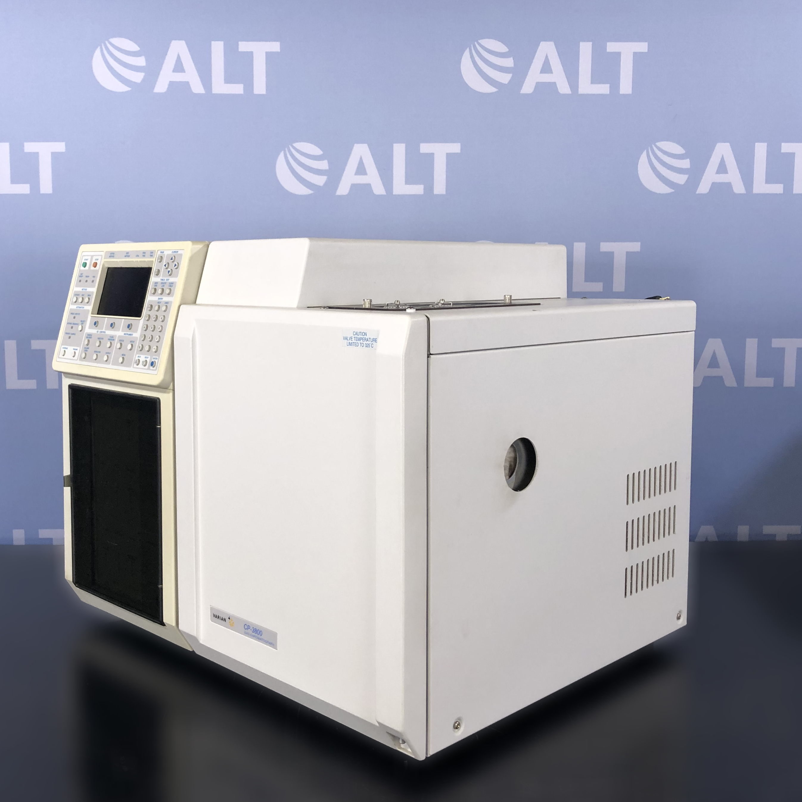 Varian CP-3800/3380 Gas Chromatograph With Varian Saturn 2200 GC/MS/MS Image