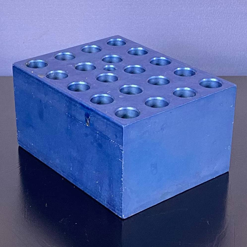 VWR Microcentrifuge Tube Blocks; 30 / 0.5mL Tube  CAT #13259-000 Image