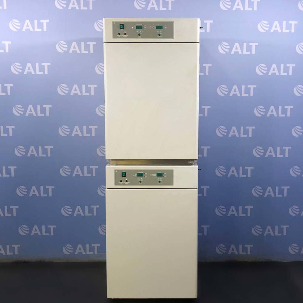 Shel Lab Model 2350 Dual Stacked Water Jacketed CO2 Incubator Image