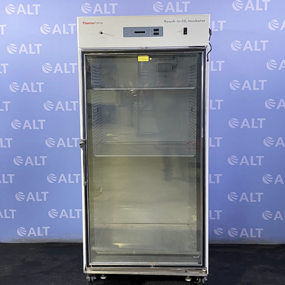 Thermo Forma 3950 High Capacity Reach-In CO2 Incubator Image