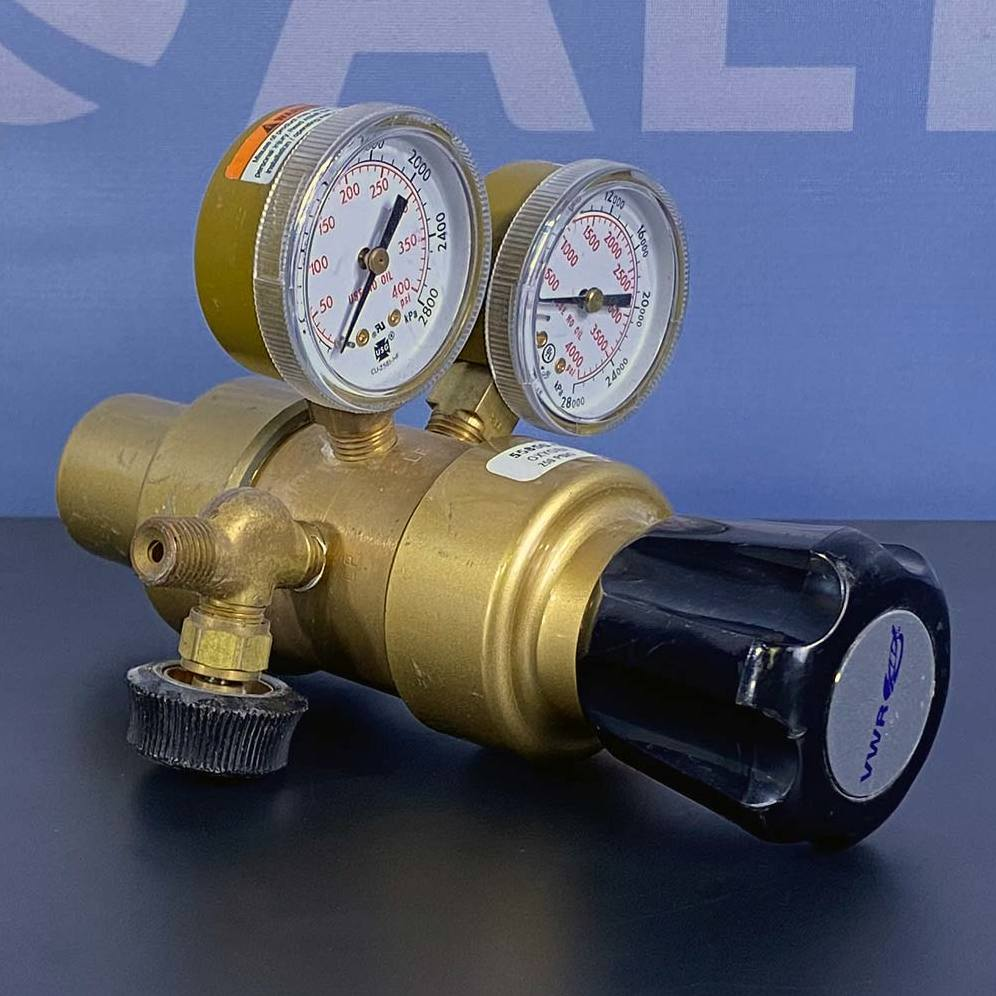 VWR 250 PSIG Oxygen Regulator, Model 55850-442 Image