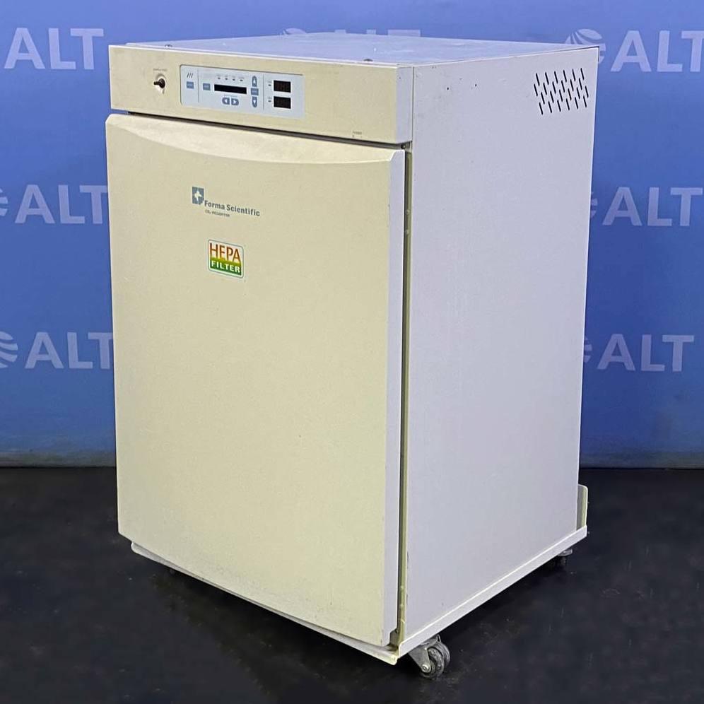 Forma Scientific Forma 310 Direct Heat CO2 Incubator Image