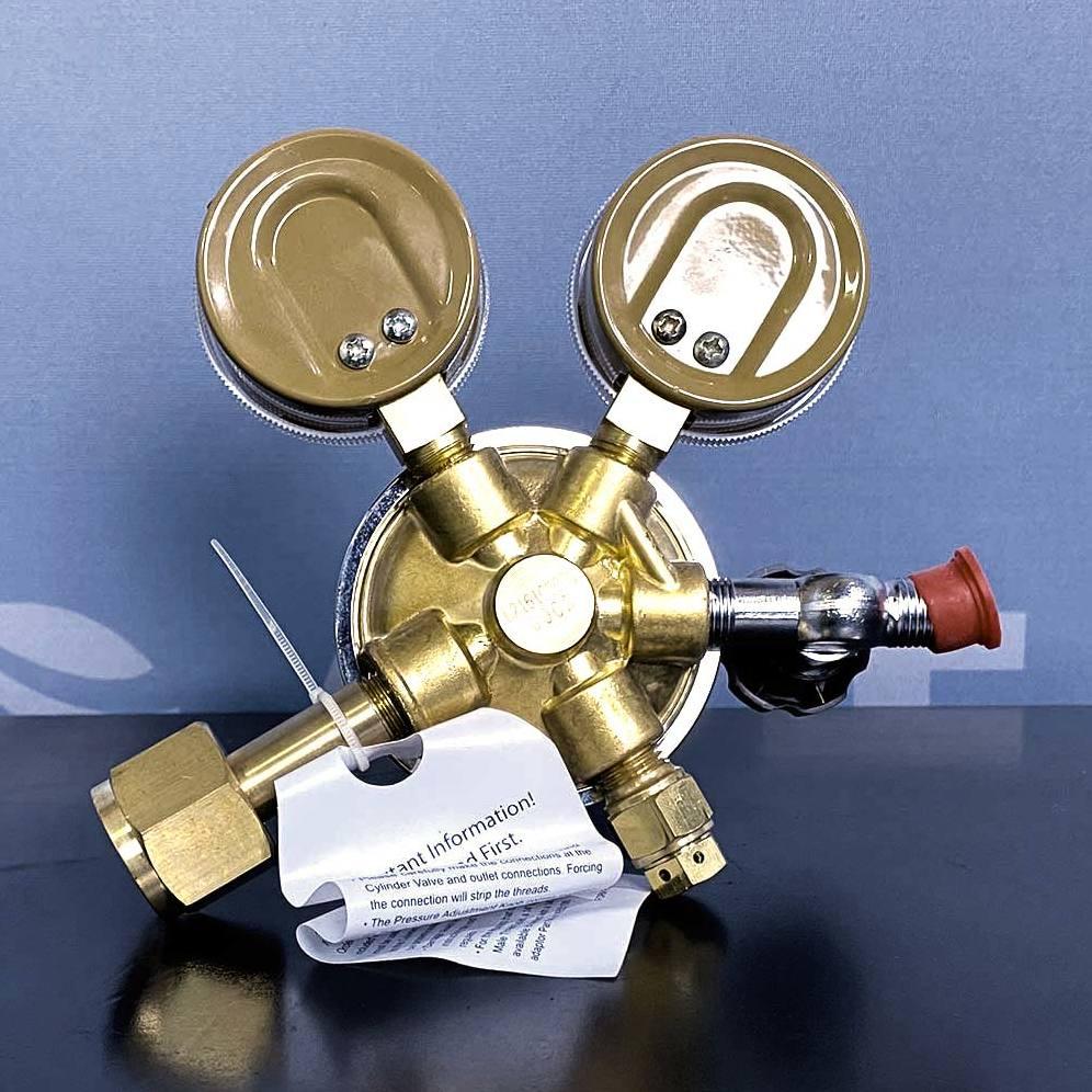 Fisherbrand 10-575-112 Gas Regulator, Multistage, Brass Image