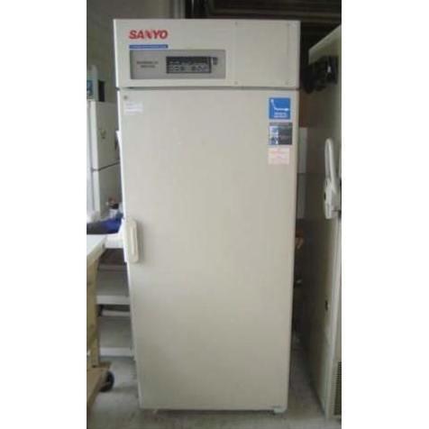 Sanyo -30°C Upright Biomedical Freezer, model DF-U731M Image